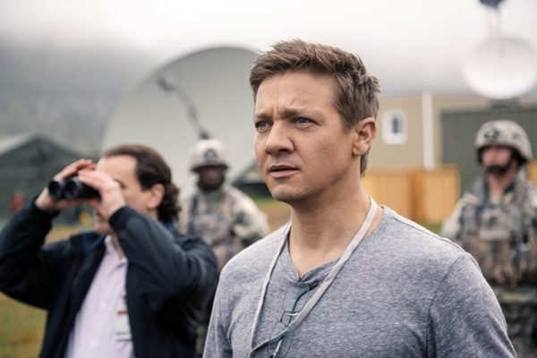 JEREMY RENNER (Ian Donnelly) in ARRIVAL - Photo: courtesy of Paramount Pictures