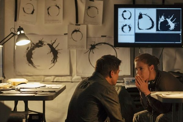 JEREMY RENNER (Ian Donnelly) e AMY ADAMS (Loise Banks) in ARRIVAL - Photo: Courtesy of Paramount Pictures.