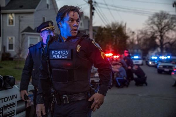 MARK WAHLBERG (Sergente Tommy Saunders) in BOSTON CACCIA ALL'UOMO Foto CBS - Lionsgate