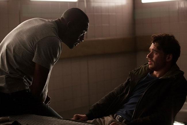 Idris Elba in una scena del film Bastille Day - Photo: Eagle Pictures