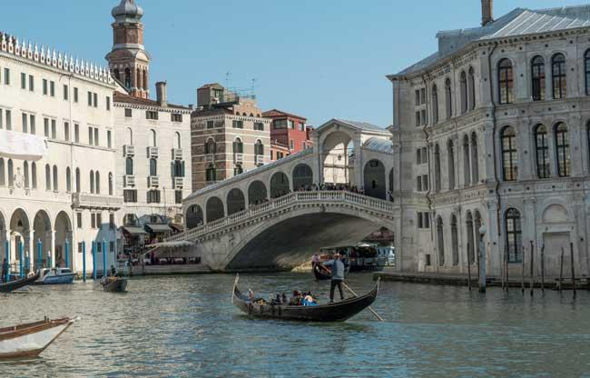 Canaletto a Venezia - il ponte di Rialto -Æ EXHIBITION ON SCREEN