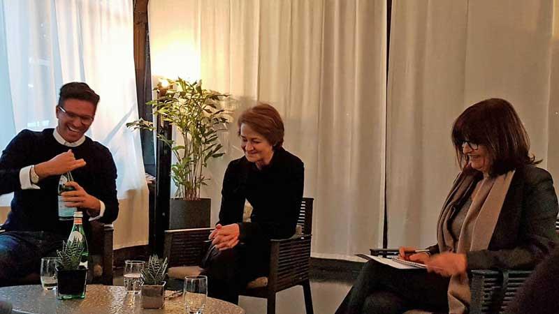 Il regista Andrea Pallaoro e l'attrice Charlotte Rampling alla presentazione milanese del film Hannah © MaSeDomani