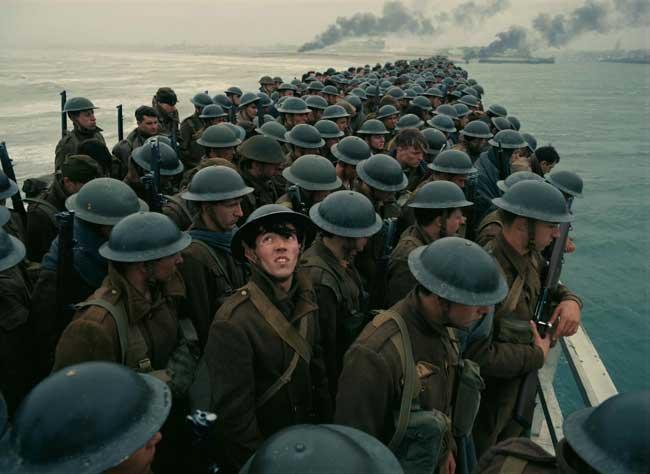 una scena del film Dunkirk - Photo: 2017 WARNER BROS. ENTERTAINMENT INC. ALL RIGHTS RESERVED