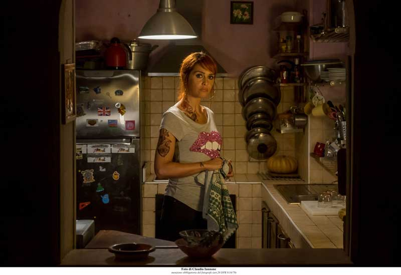 Paola Cortellesi nel film Come un Gatto in Tangenziale - Foto di Claudio Iannone