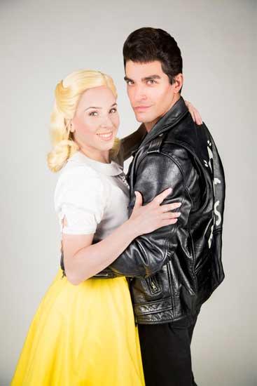 Lucia Blanco (Sandy) e Giulio Corso (Danny) in Grease il musical - Photo by Giulia Marangoni
