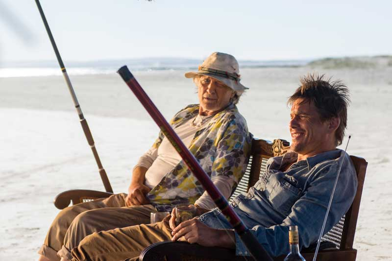 Rutger Hauer e Ethan Hawke in una scena del film Le ultime 24 ore - Photo courtesy of Eagle Pictures