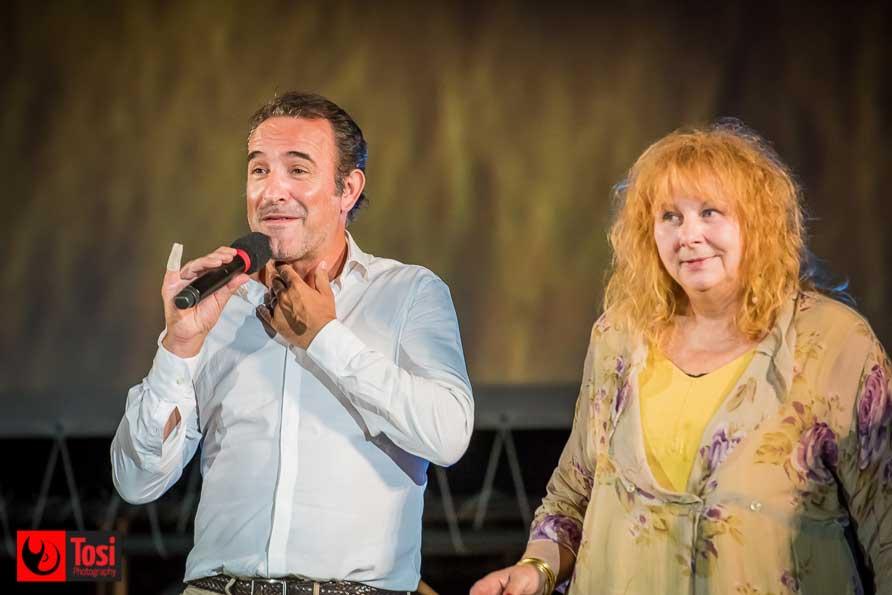 Jean Dujardin e Yolande Moreau sul palco di Piazza Grande per la prima di I feel good - Tosi Photography