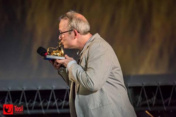 Ted Hope riceve il Premio Raimondo Rezzonico in Piazza Grande a Locarno - Photo Credit Tosi Photography