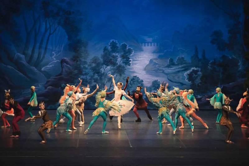 la compagnia del Balletto Ucraino nella stagione 2018/19 del Teatro Manzoni di Milano - Photo: courtesy of Teatro Manzoni
