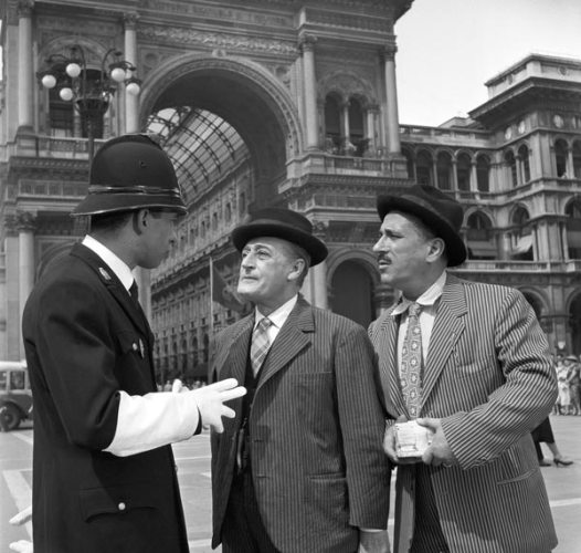 Totò e Peppino De Filippo durante le riprese di Totò, Peppino e la… malafemmina, 1956; ©REPORTERS ASSOCIATI & ARCHIVI