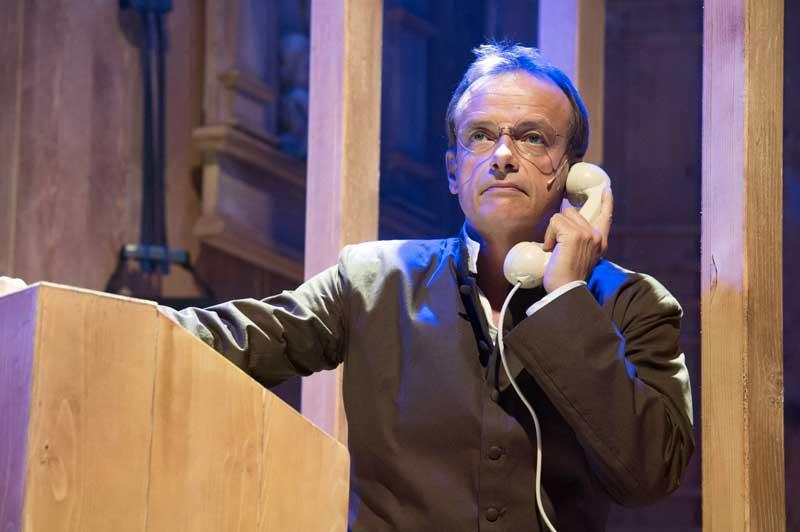 Gianluca Guidi nel musical Aggiungi un posto a tavola - Foto: Tommaso Le Pera