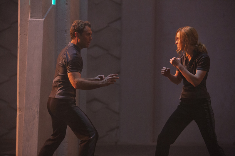 Jude Law e Brie Larson in Captain Marvel - Photo: courtesy of MARVEL STUDIOS