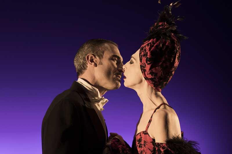 Una scena dello spettacolo Viktor und Viktoria
