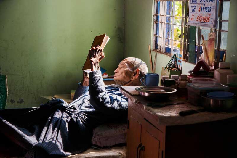 02. Mandalay, Birmania, 2013. Photo Courtesy Steve McCurry