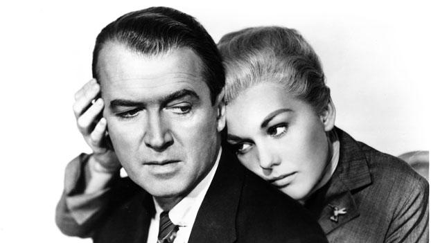 Kim Novak e James Stewart nella Donna che visse due volte (1958) La donna che visse due volte, 1958 © Universal Pictures