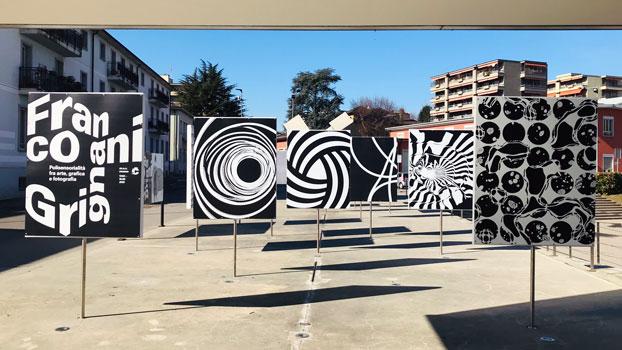 L'ingresso del museo con i pannelli dedicati a Franco Grignani - Photo by MaSeDomani