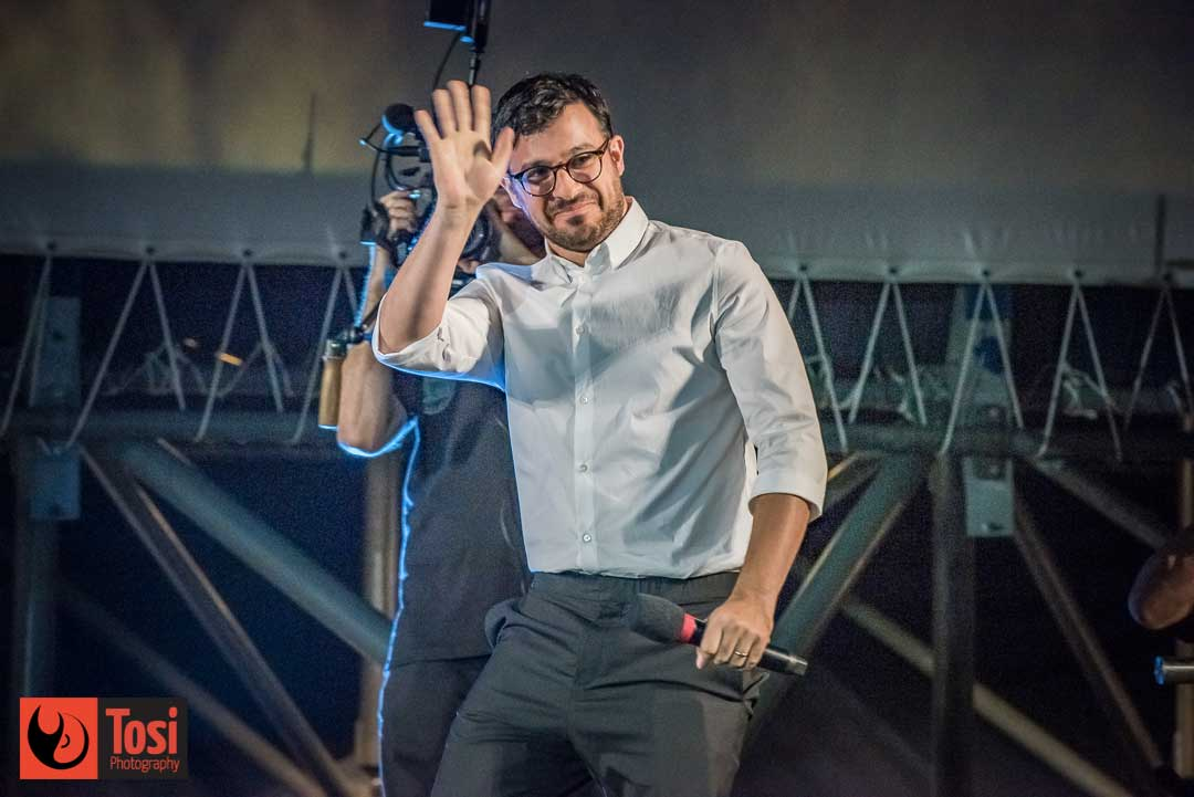Simon Bird in Piazza Grande per presentare il suo film © Tosi Photography