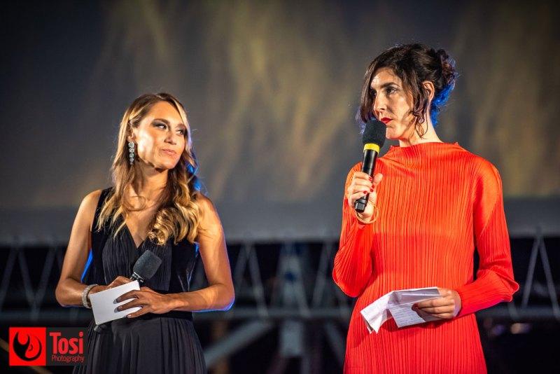 Lili Hinstin sul palco di Piazza Grande durante la sera d'apertura © Tosi Photography