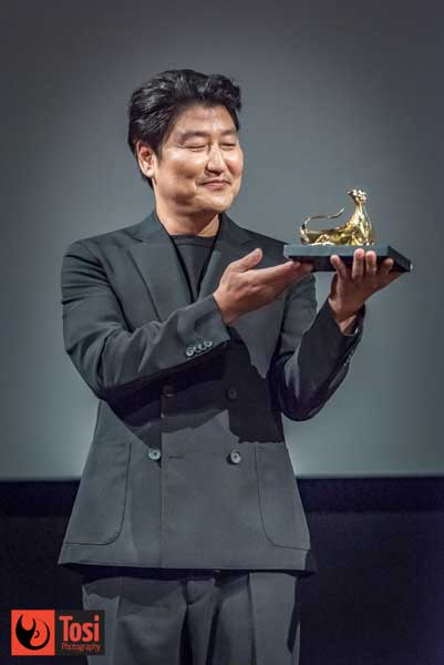 SONG Kang-ho ha ricevuto l'Excellence Award di Locarno 72 - Photo by Tosi Photography