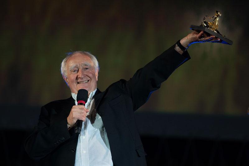 Fredi Murer sul palco di Piazza Grande - Photo: Locarno film festival/ Massimo Pedrazzini