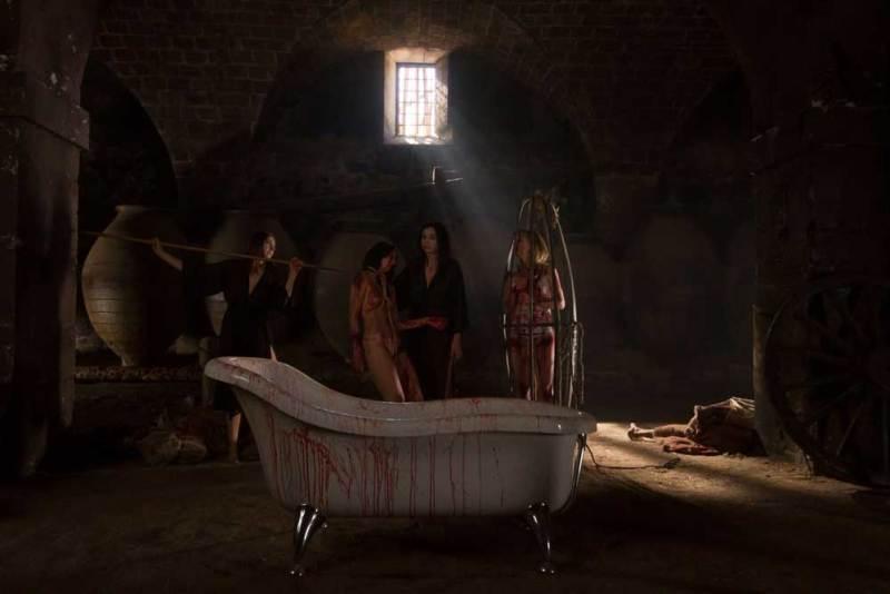 Una scena del film Vampyres - Photo: courtesy of Midnight Factory
