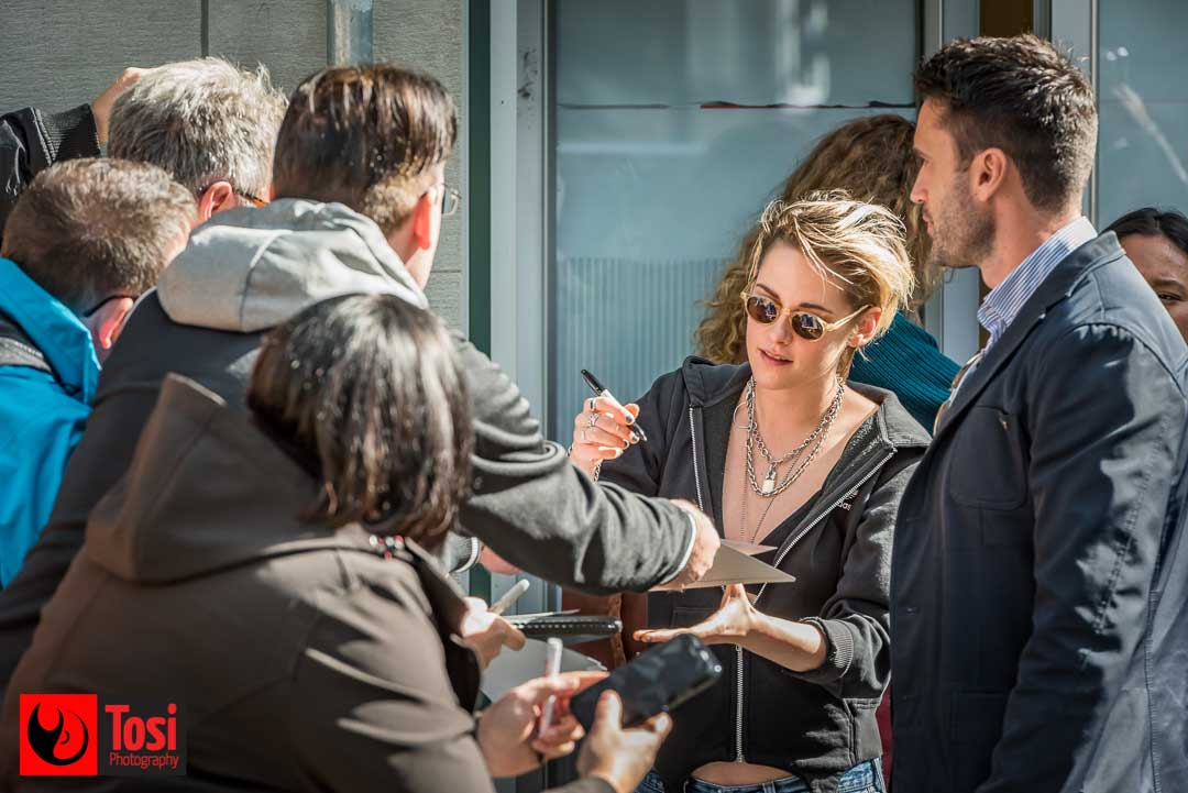 ZFF2019 Kristen Stewart signing autographs - Photo by Tosi Photography