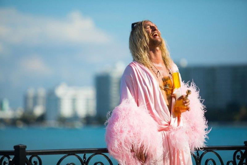 Matthew McConaughey in una scena del film The Beach Bum - Photo: courtesy of Milano Film Festival