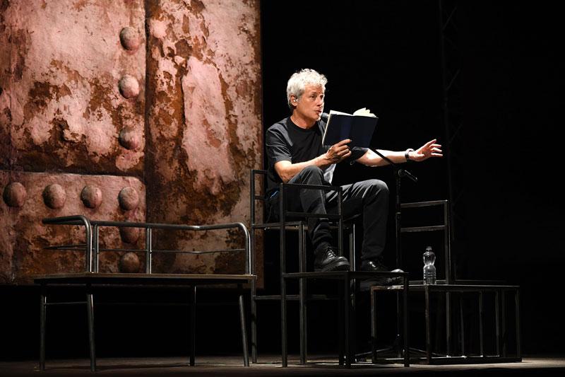Alessandro Baricco legge Novecento - Foto di M.Laura Antonelli AGF.