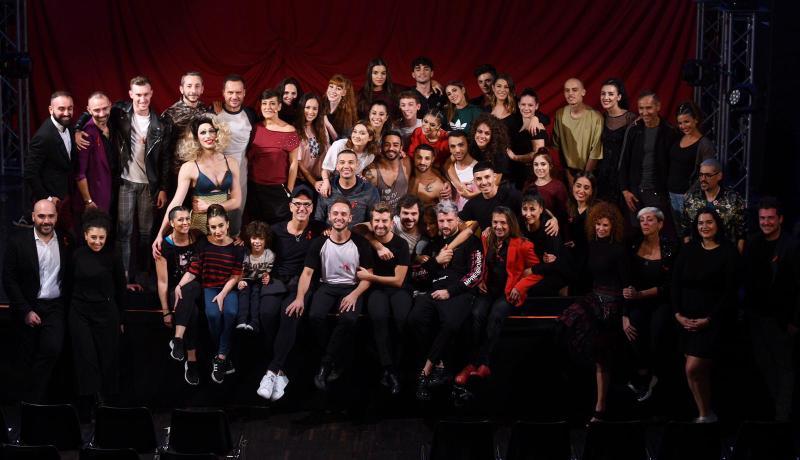 Manuel Frattini con il cast di Italy Bares. Foto by SGPitalia, Stefano Guindani