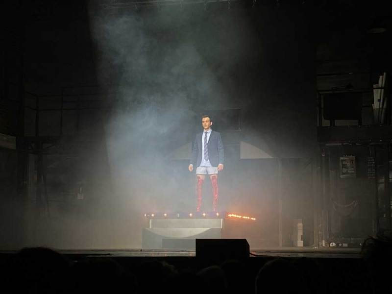 Mario Finulli nel musical Kinky Boots - Photo: courtesy of Luca Ferba / Musical Café