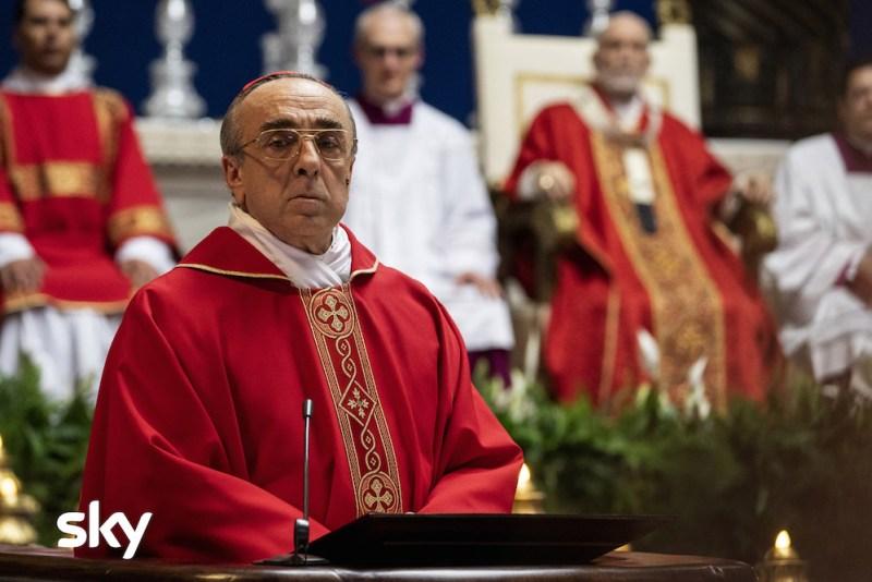 Silvio Orlando in una emozionante scena di The New Pope. Photo: Gianni Fiorito.