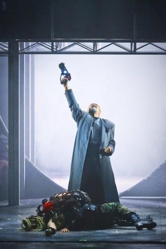 Paolo Barillari è Kashoggi in We Will Rock You il musical.