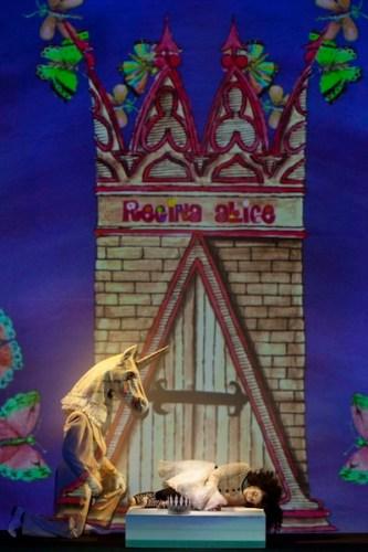 Gli spettacoli Natale dei teatri Parenti e Elfo Puccini: ALICE UNDERGROUND,produzione Teatro dell'Elfo. Photo © Luca Piva 2012 - all rights reserved.