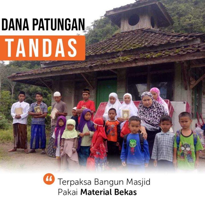 Selamatkan Masjid Panggung Berusia 41 Tahun di Garut