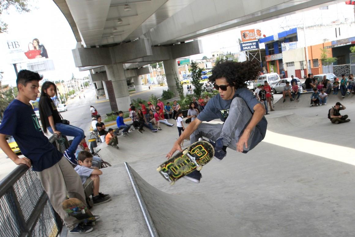 24/08/2014 Ciudad y Estado  Torneo Skate, organizado por el Instituto Municipal de la Juventud de Guadalajara, en las pistas de Av. Circunvalación y Av. del Obrero. Foto: Héctor Jesús Hernández