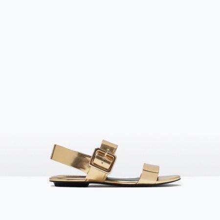 sandalia dorada Zara