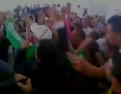 اتحاد العمال يطالب بحماية حقوق المصريين في الجزائر | احداث مباراة مصر والجزائر