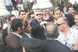 مرتضى منصور اما النيابة اثناء مواجهة شوبير