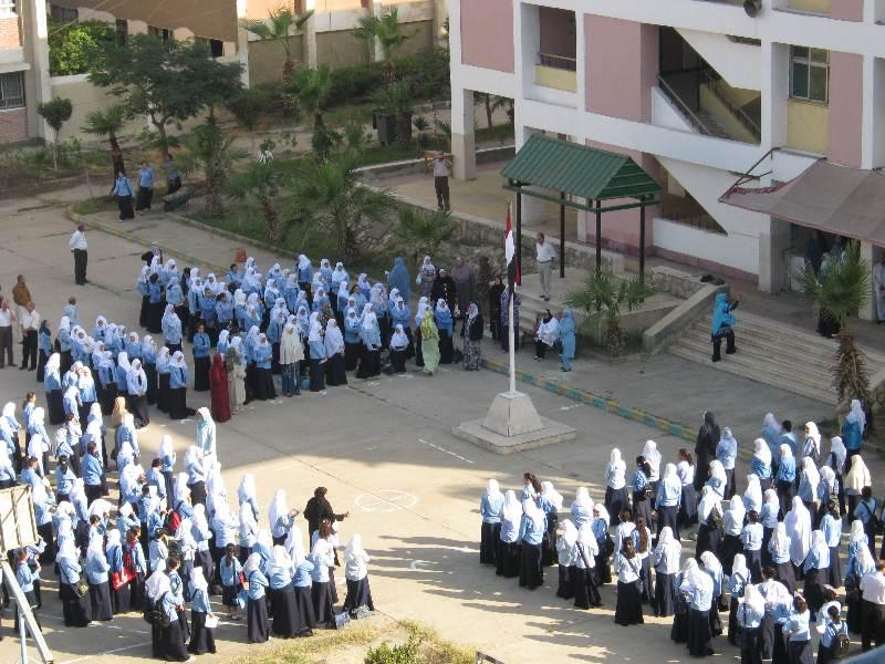 ألف عامل جديد بمدارس القاهرة لمواجهة انفلونزا الخنازير