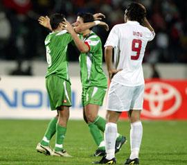 منتخب مصر يرتدي الوان العلم المصري في مباراة مصر والجزائر | انجولا 2010