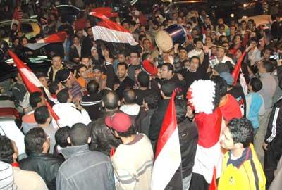 حفلة عمرو دياب في استاد القاهرة و تكريم المنتخب المصري