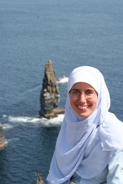 نادية العوضي .. أول مصرية تتسلق قمة جبال الكلمنجارو