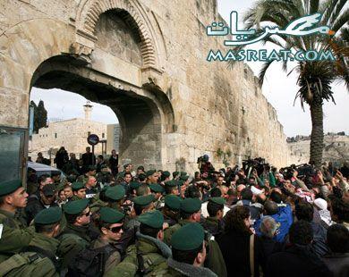 قوات إسرائيلية خاصة تقتحم ساحات المسجد الاقصى