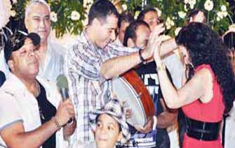 قيام الليل مع غادة عبد الرازق بالرقص وشربت حجرين على الشيشة