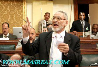 الإخوان يتهمون الحكومة باستغلال فوبيا الخنازير للتآمر على التعليم الأزهري