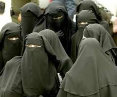 النقاب .. ملابس ضد القانون | قرار منع النقاب