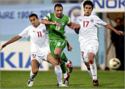 منتخب مصر في مباراة مع الجزائر