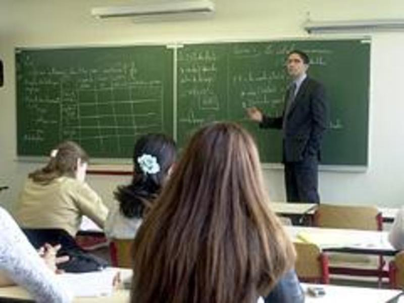 القنوات التعليمية.. تخسر أمام الدروس الخصوصية