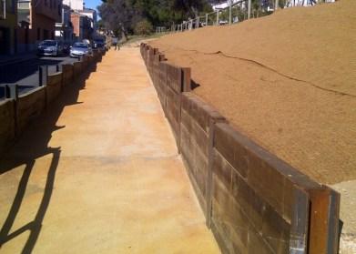 mur travesses de fusta. pilars HPE