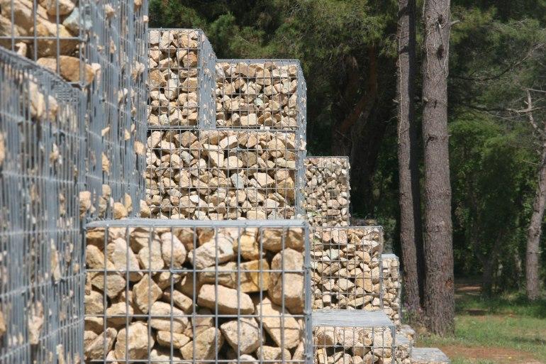 Lloret gabaions de pedra esglaonats 2 - MASSACHS Obres i Paisatge